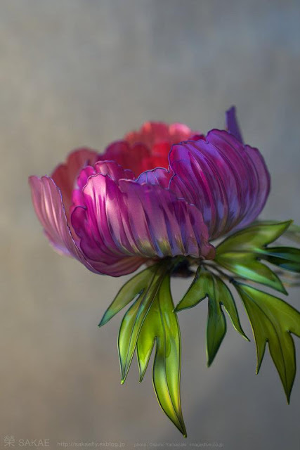 Шпилька с цветком пиона