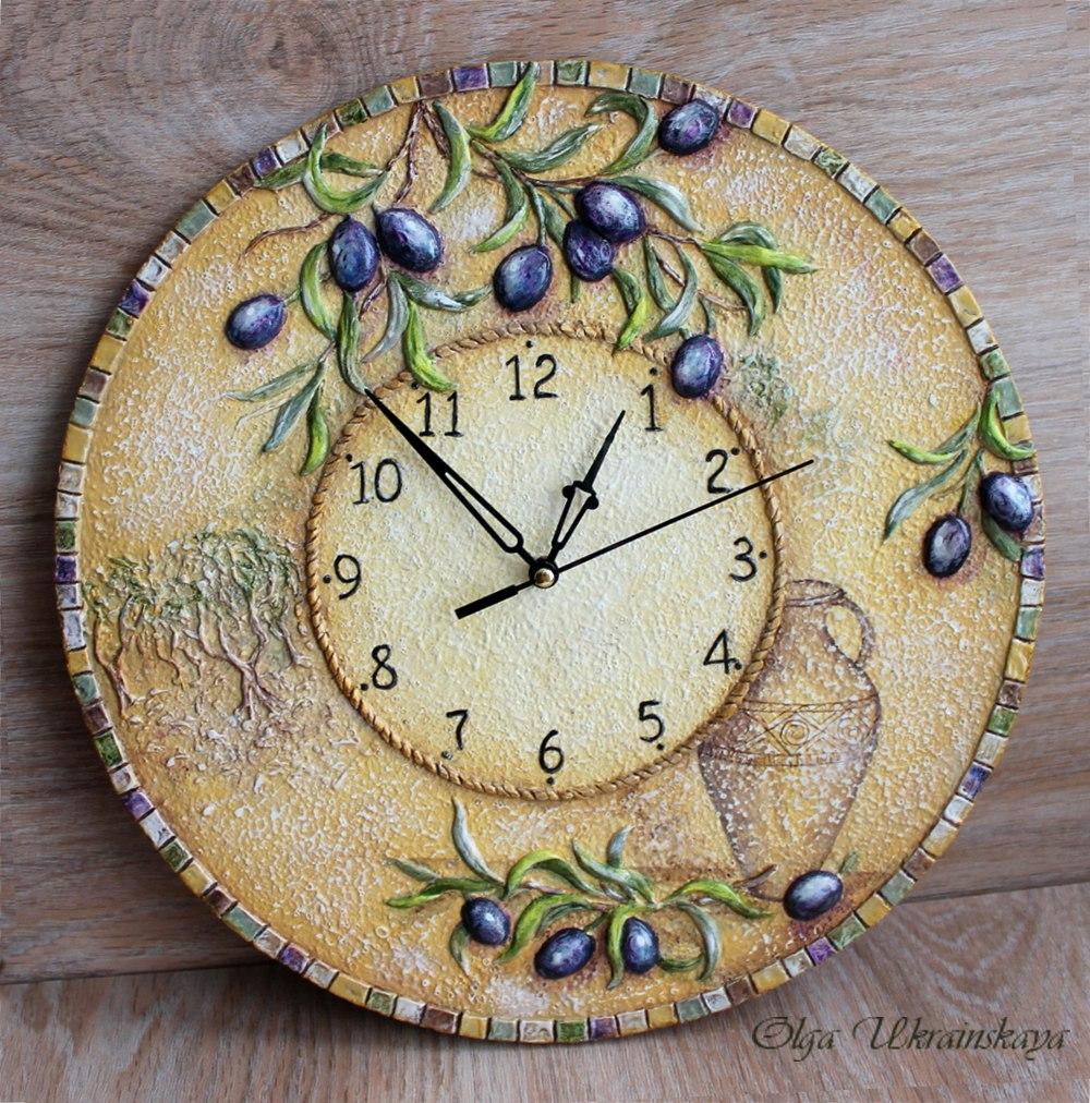 """Часы """"Оливковая роща"""", выполненные в объёмной авторской технике"""