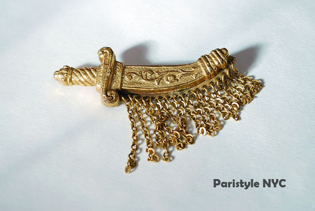 Винтажная брошь-кинжал от Paristyle NYC