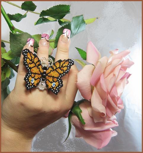 Бисерное кольцо с бабочкой, автор Эрин Симонетти (Eryn Simonetti)