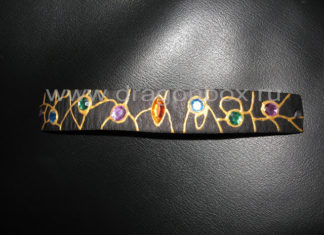 Браслет из кожи со стразами в эльфийском стиле