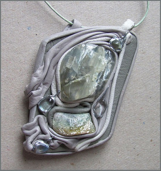 кристалл амулет