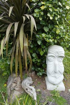 Деревянные скульптуры парка Tawapou