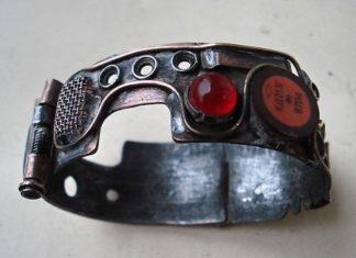 Ювелирка в стиле киберпанк: браслеты